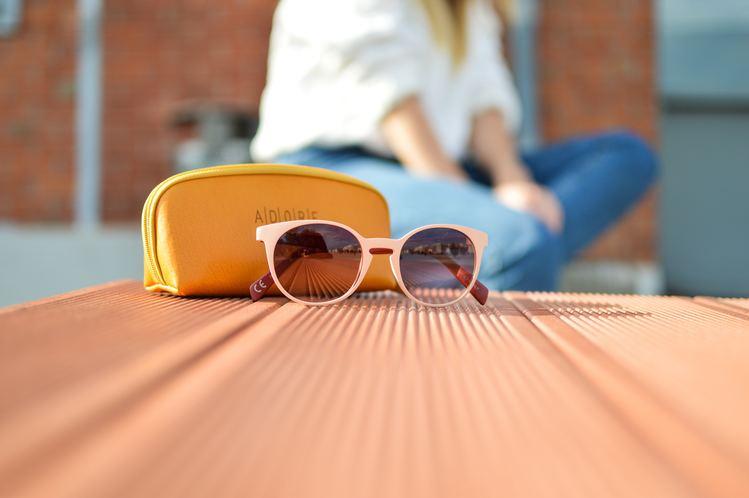 óculos de sol é um dos melhores produtos importados para revender