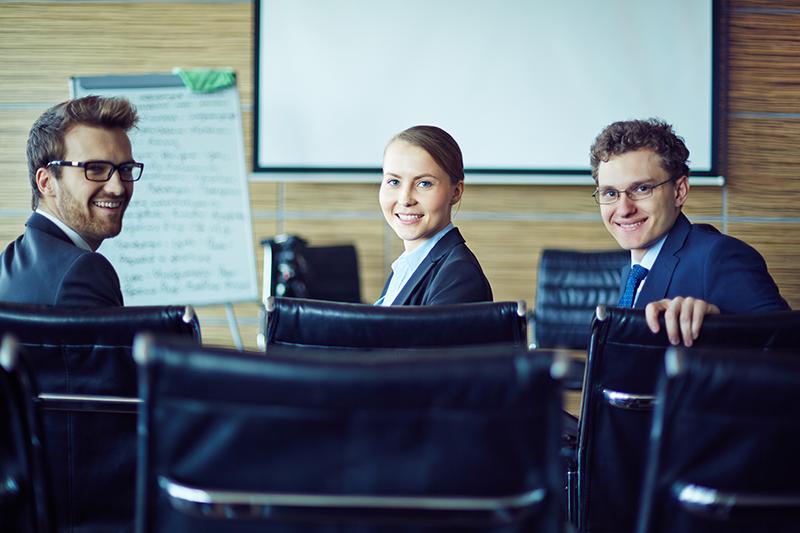 Empreendedores em treinamento presencial